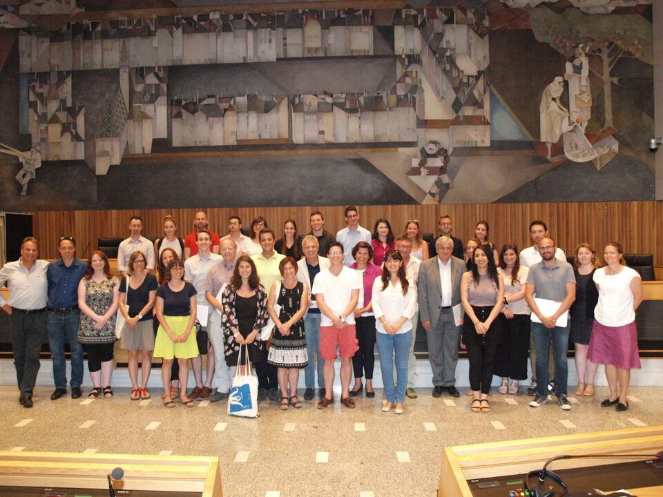 Landtag/Wolf/Teilnehmer der Summer School 2017 mit den Abgeordneten