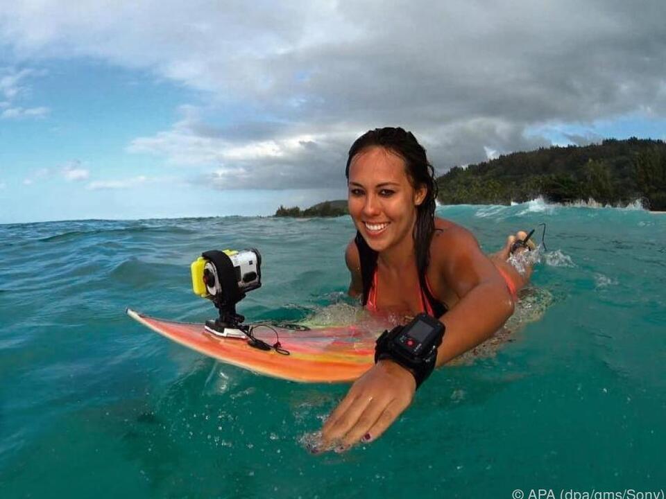 Auch auf dem Surfbrett kann mit dem richtigen Zubehör gefilmt werden