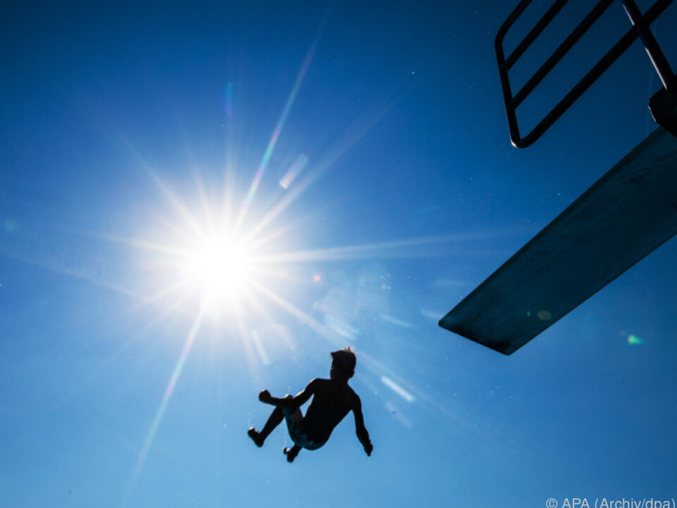 Badevergnügen endete mit schweren Verletzungen sommer schwimmbad pool hitze