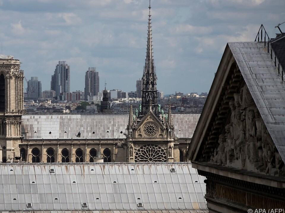 Paris: Polizist schießt bei Notre-Dame Angreifer nieder - Anti-Terror-Staatsanwaltschaft ermittelt