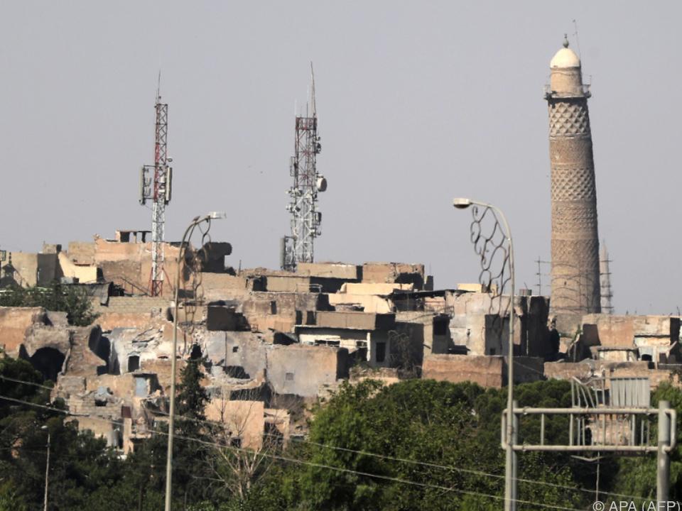 Das Minarett der Moschee, als es noch stand