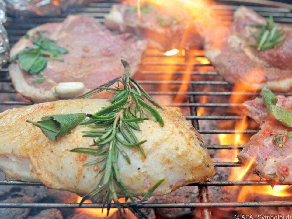 Das Verbot wird erst bei nachhaltigen Regenschauern aufgehoben grillen fleisch holzgrill