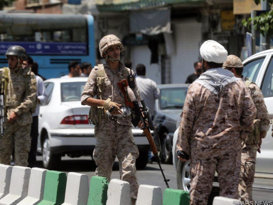 Iran beschießt IS-Stellungen in Syrien