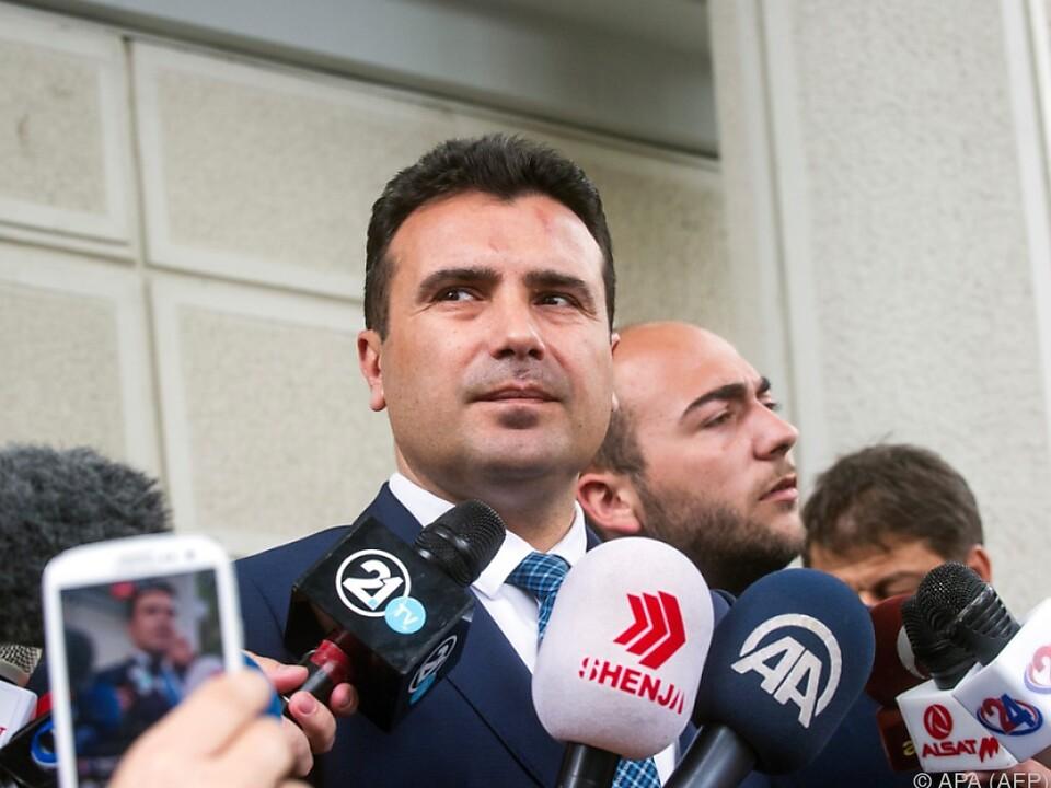 Der Sozialdemokrat Zoran Zaev koaliert mit albanischen Parteien