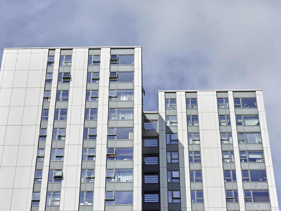 95 britische Hochhäuser auf Brandschutz getestet - alle sind durchgefallen