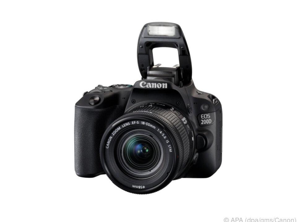 Die Canon 200D hat auch n-WLAN, NFC und Bluetooth an Bord