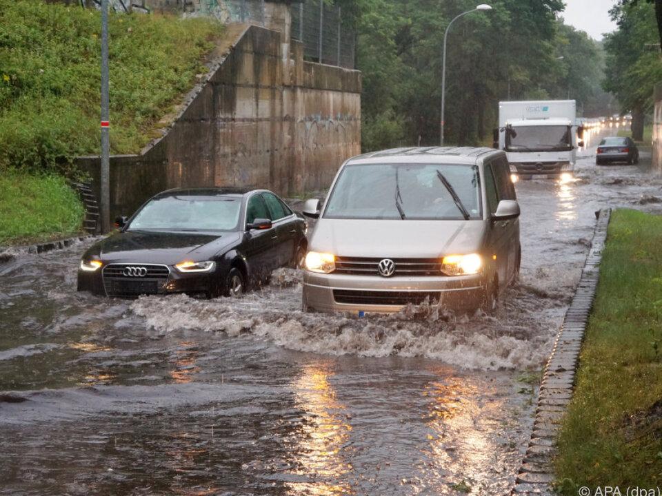 Die heftigen Regenfälle hatten das Kanalsystem überfordert