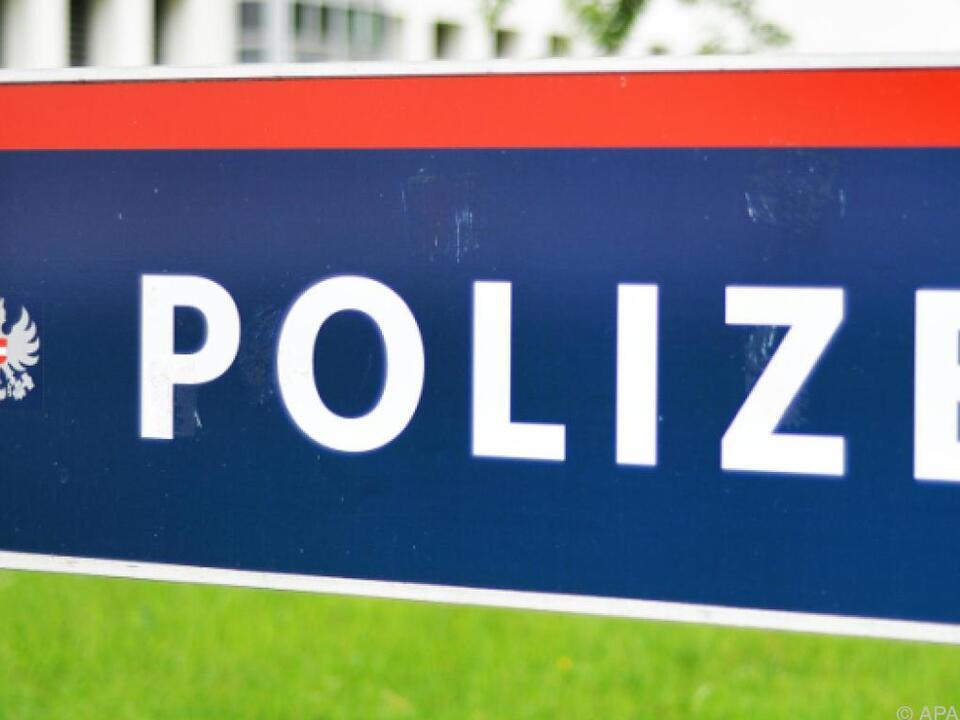 Die Polizei rechtfertigt ihre Informationspolitik