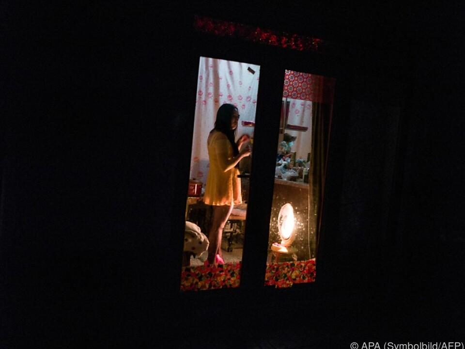 Die Umsetzung des umstrittenen Gesetzes gestaltete sich schwierig prostitution nutte