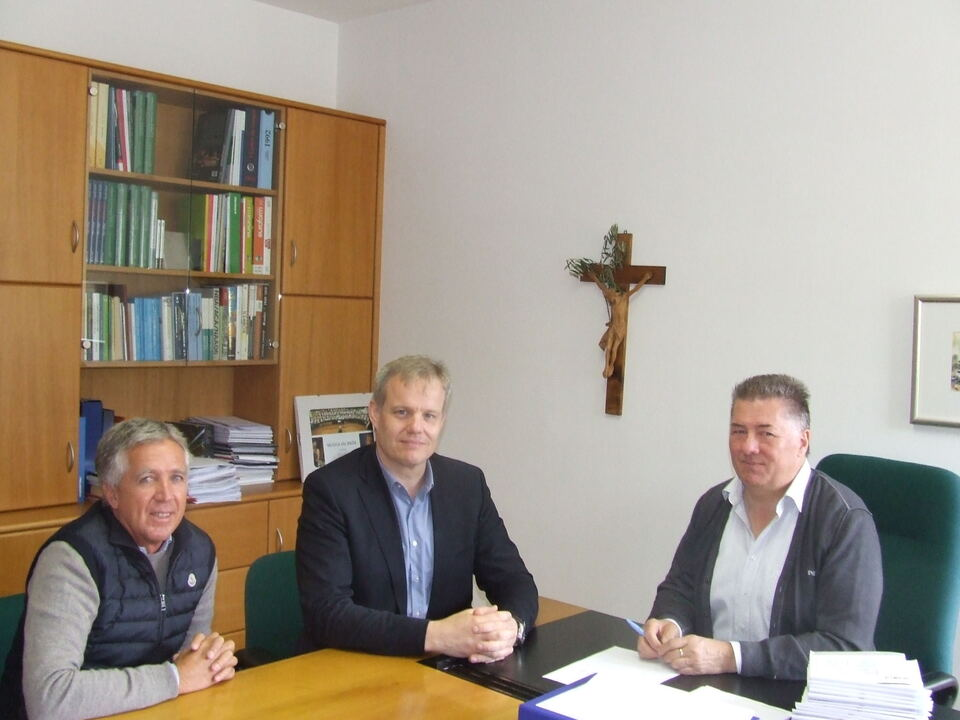 hds-Ortsobmann Andreas Kostner/hds-Bezirkspräsident Philipp Moser/Robert Rottonara, Bürgermeister von Corvara