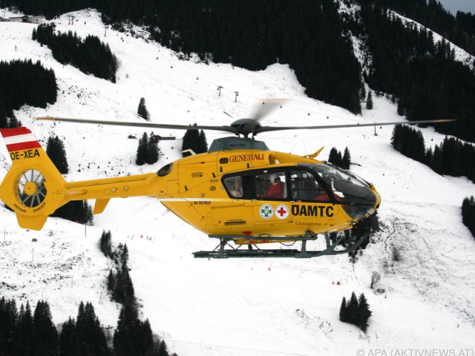 Ein Hubschrauber brachte den Verunglückten ins Tal