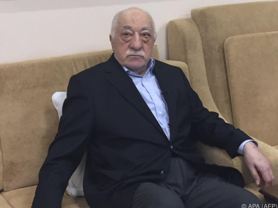 TürkeiRegierung droht Gülen und oppositionellen Abgeordneten mit Ausbürgerung