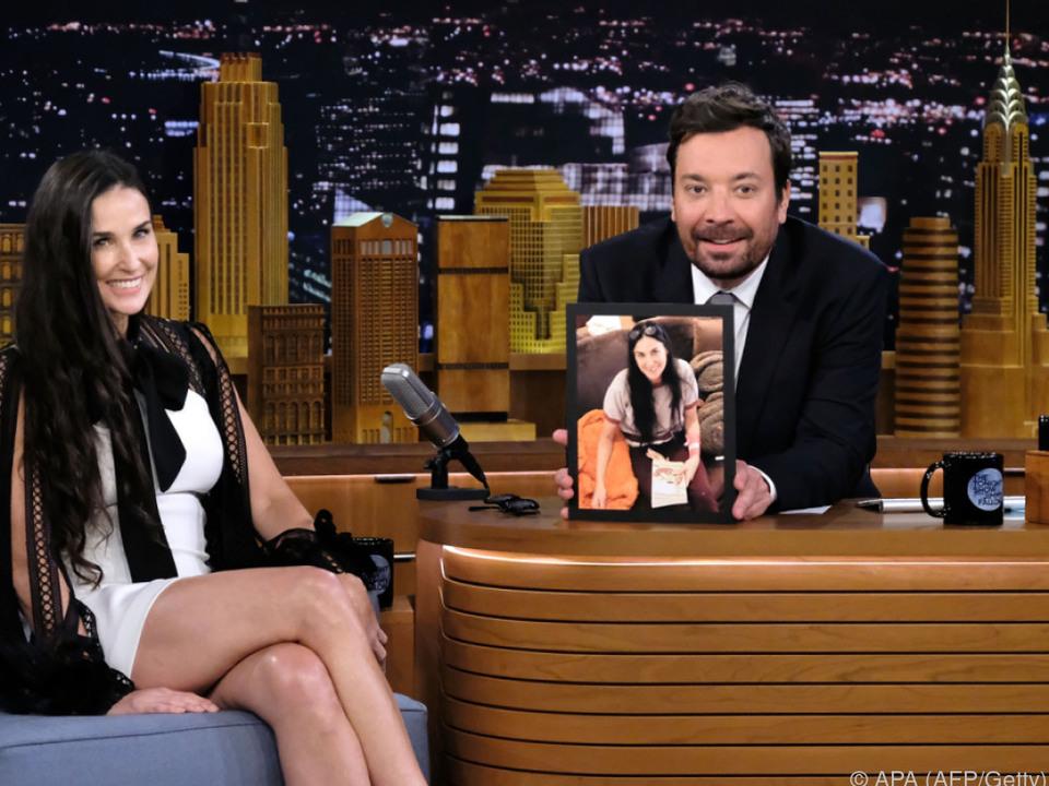 Jimmy Fallon zeigte ein Foto von Demi mit Zahnlücke