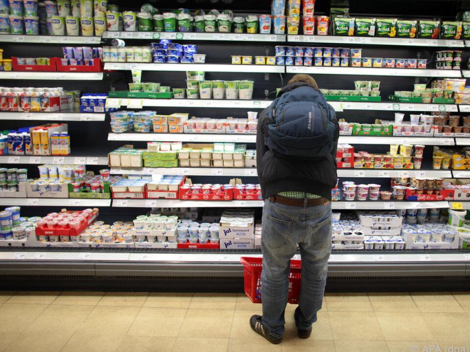 Schweizer Konsumenten zahlen 60 Prozent mehr als im EU-Schnitt
