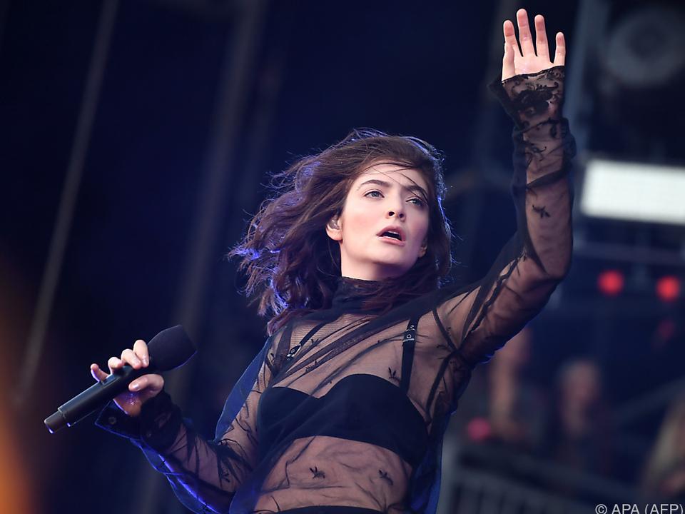 Lorde erzählt gerne von sich