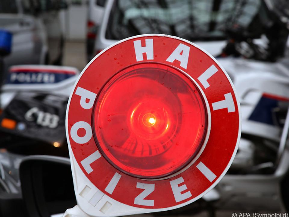 Polizei hatte alle Hände voll zu tun polizeikelle