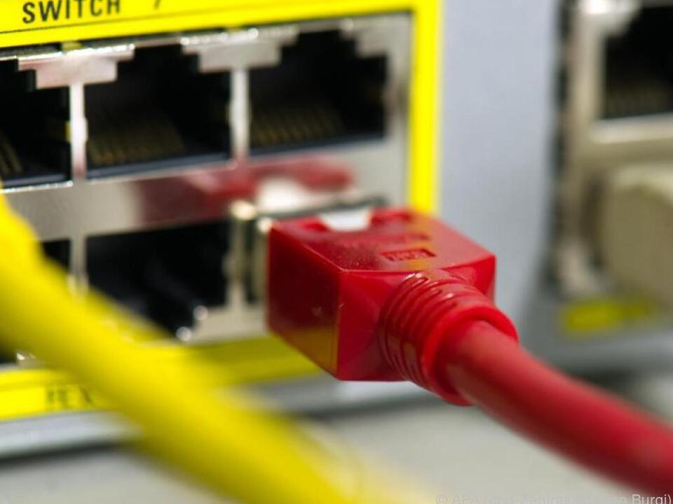 ProtonVPN leitet den Internetverkehr über mehrere Server um