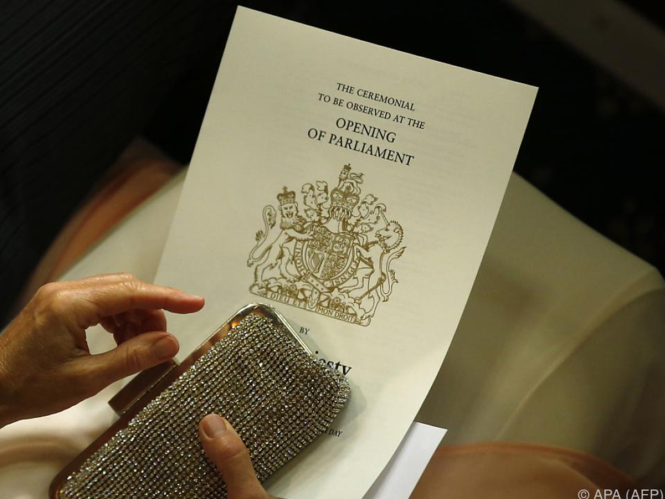 Queen stellt Programm der britischen Regierung vor