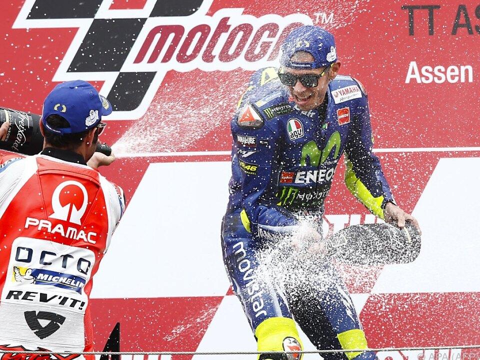 Rossi und sein Landsmann Petrucci feierten ausgelassen