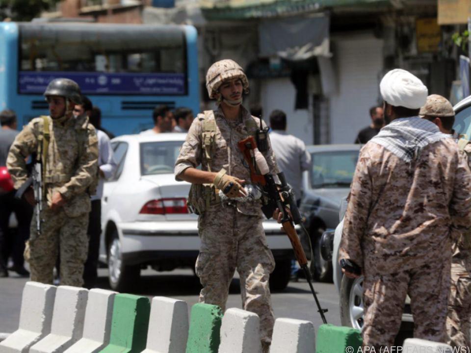 Sicherheitskräfte töteten alle Angreifer im Parlament