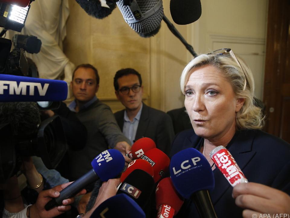 Verdacht der Untreue gegen Le Pen
