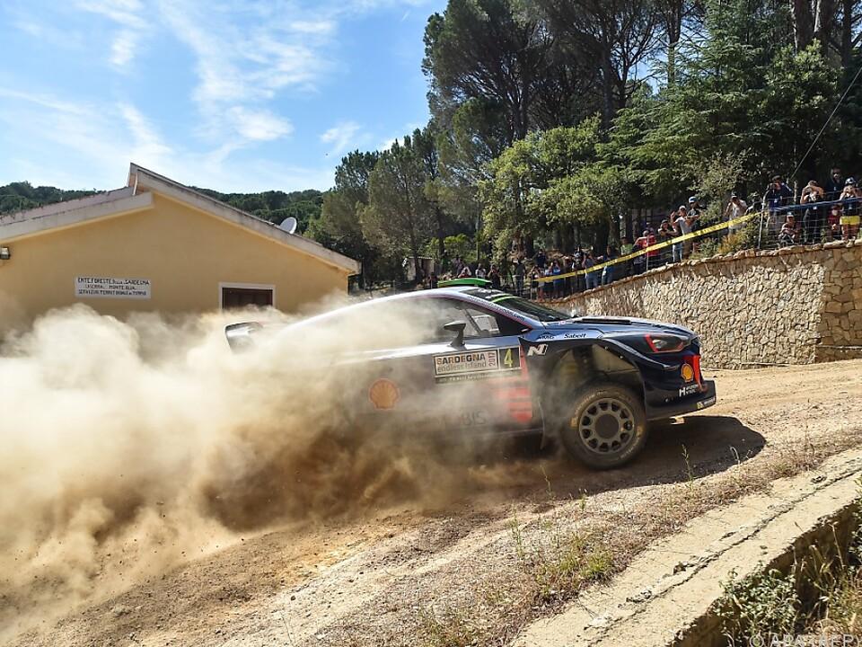 Rallye: Este Tänak in Führung, Ogier mit Problemen