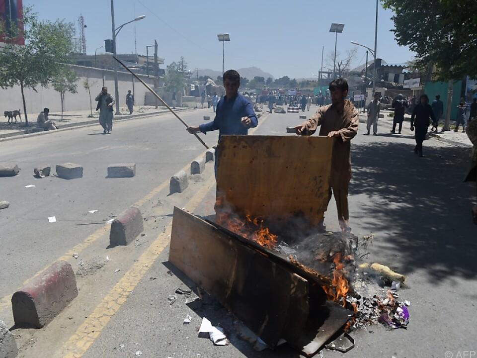 Deutschland: 90 Tote bei Anschlag in Kabul - Deutsche Botschaft schwer beschädigt