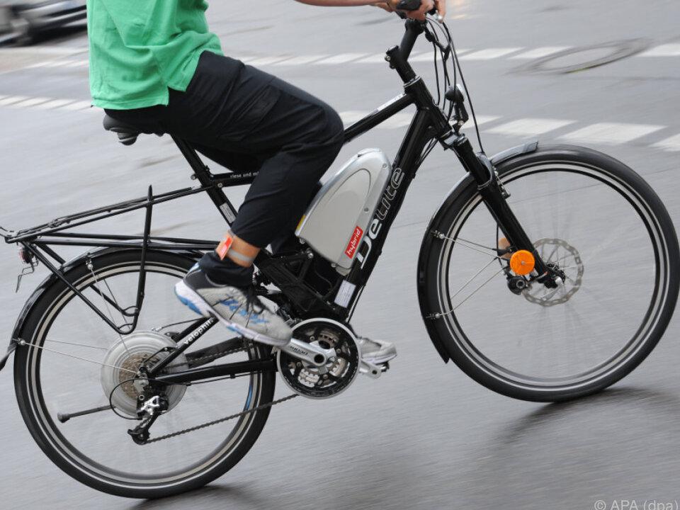 Wer\'s nicht so mit dem Treten hat, liebt das E-Bike fahrrad