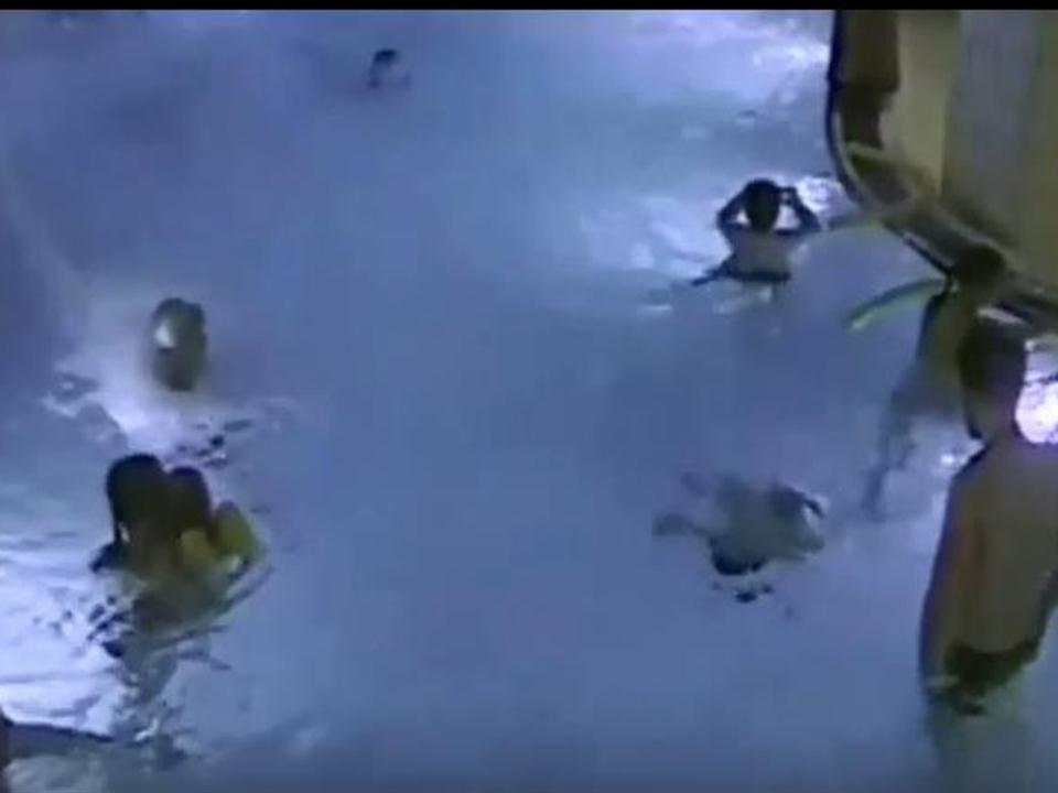 yt-schwimmbad-fuenfjaehriger