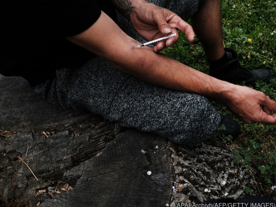Zahl der Süchtigen lag 2015 in etwa bei jener von 2014 heroin drogen