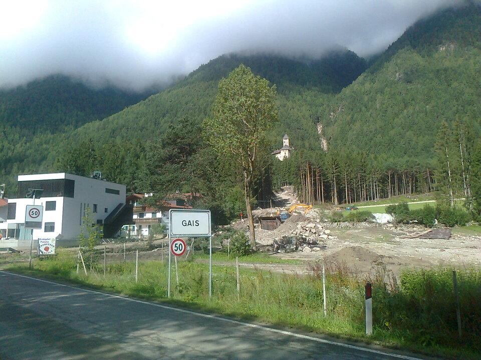 Die Ahrntaler Staatsstraße ist nach umfangreichen Aufräum- und Sicherungsarbeiten ab 17:30 wieder frei befahrbar (Foto: LPA/Straßendienst Pustertal)
