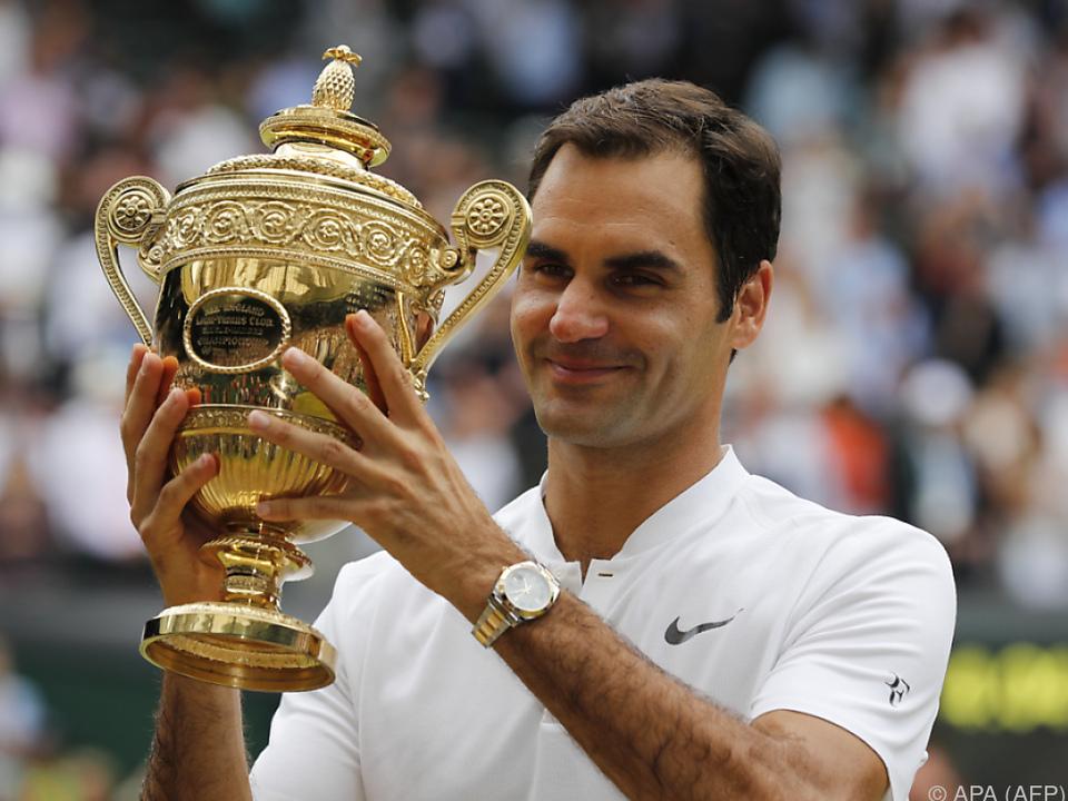 Achter Wimbledonsieg für Federer mit bald 36 Jahren