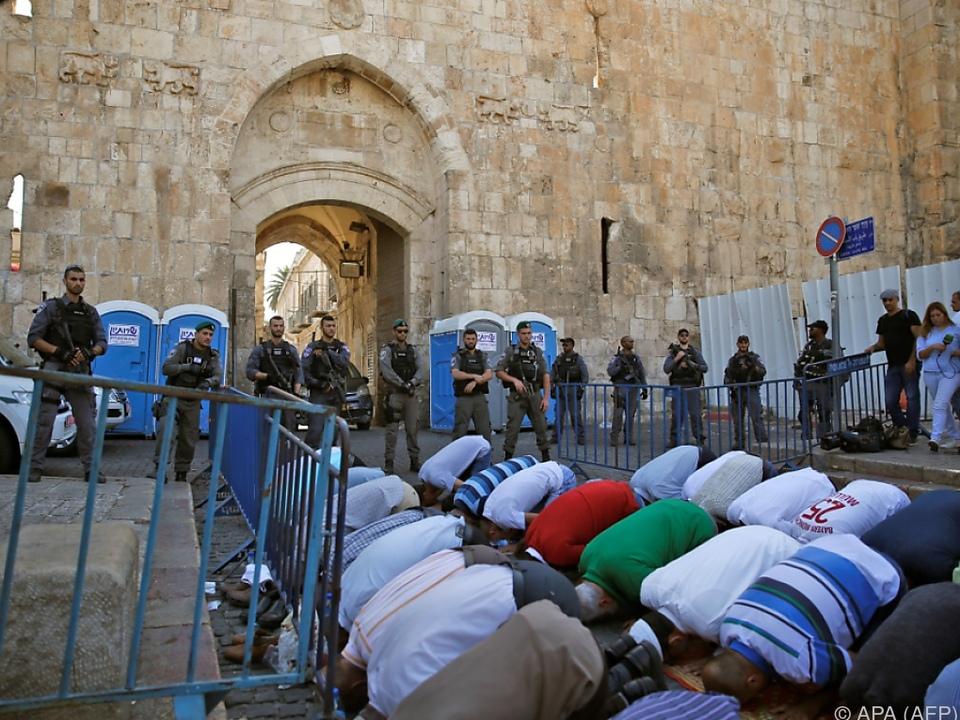 Al-Aksa-Moschee unter Polizeischutz