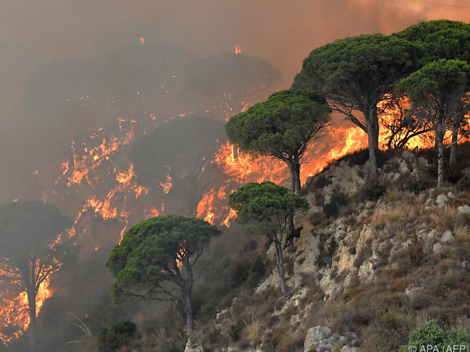 Am Vesuv brennt es weiter