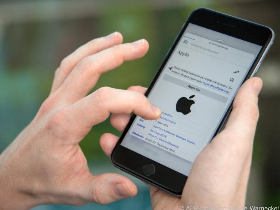 Auch eine iPhone-Entsperrung per Gesichtserkennung soll angedacht sein