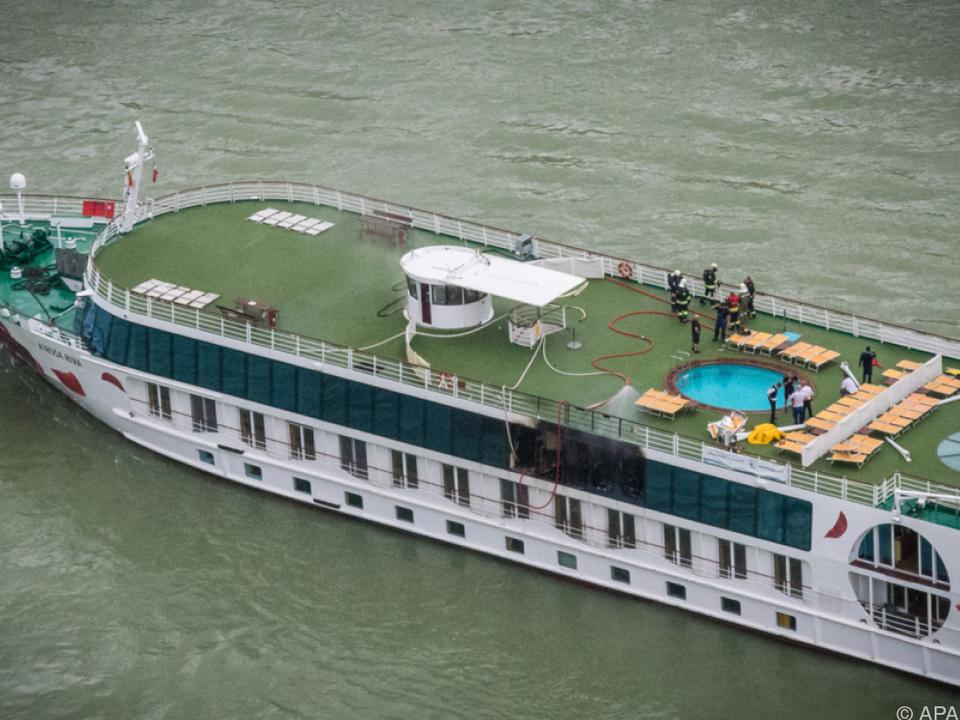 Auf dem Schiff war am Montag Feuer ausgebrochen