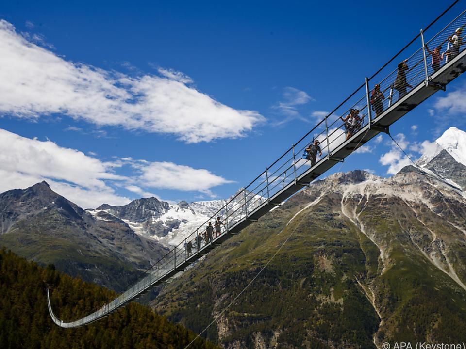 Bequemer Fußweg von Berg zu Berg