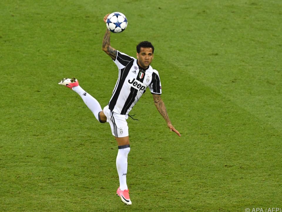 Offiziell: Dani Alves wechselt zur Paris Saint-Germain