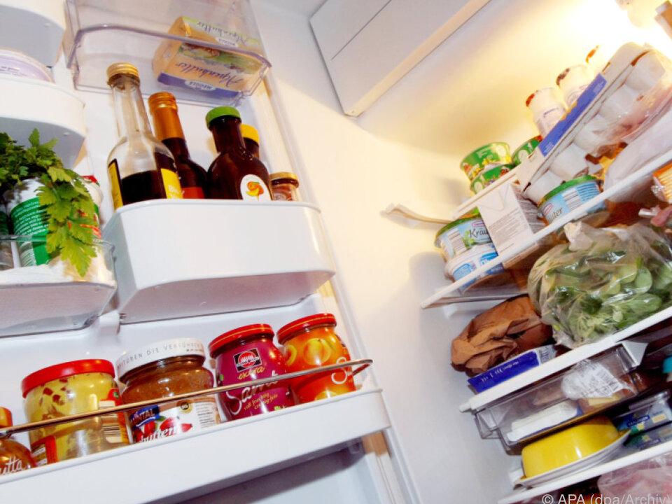 Der Sohn knackte den Kühlschrank mit Freunden