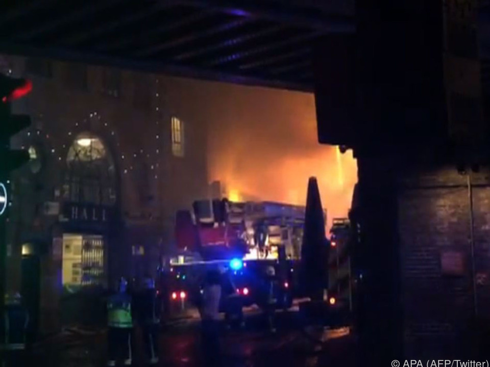 Brand beschädigt Londoner Camden Lock Market