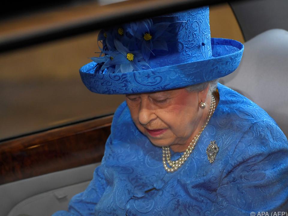Die Queen fuhr mit dem Wagen zu Polo-Turnieren