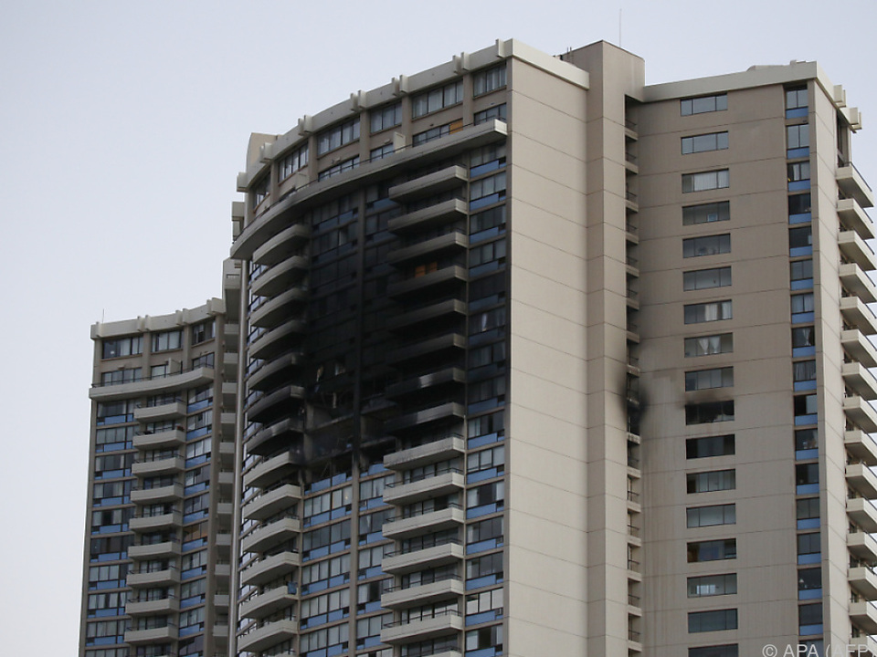 Die Toten seien im 26. Stock des Gebäudes gefunden worden