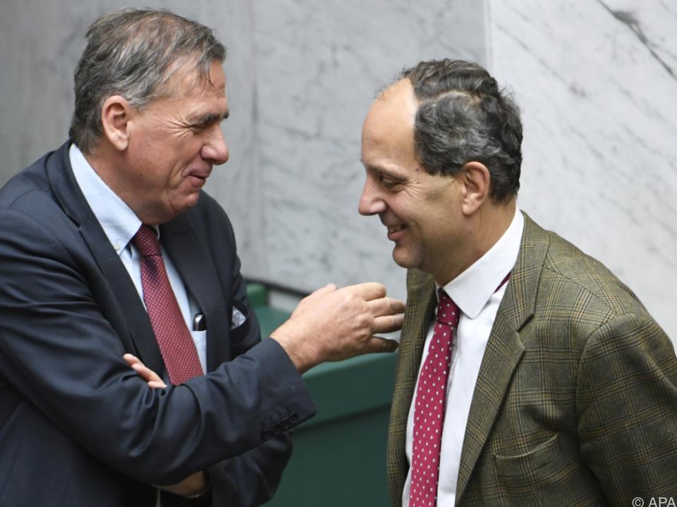 Die Vorwürfe des Antisemitismus wies Hübner (re) zurück.