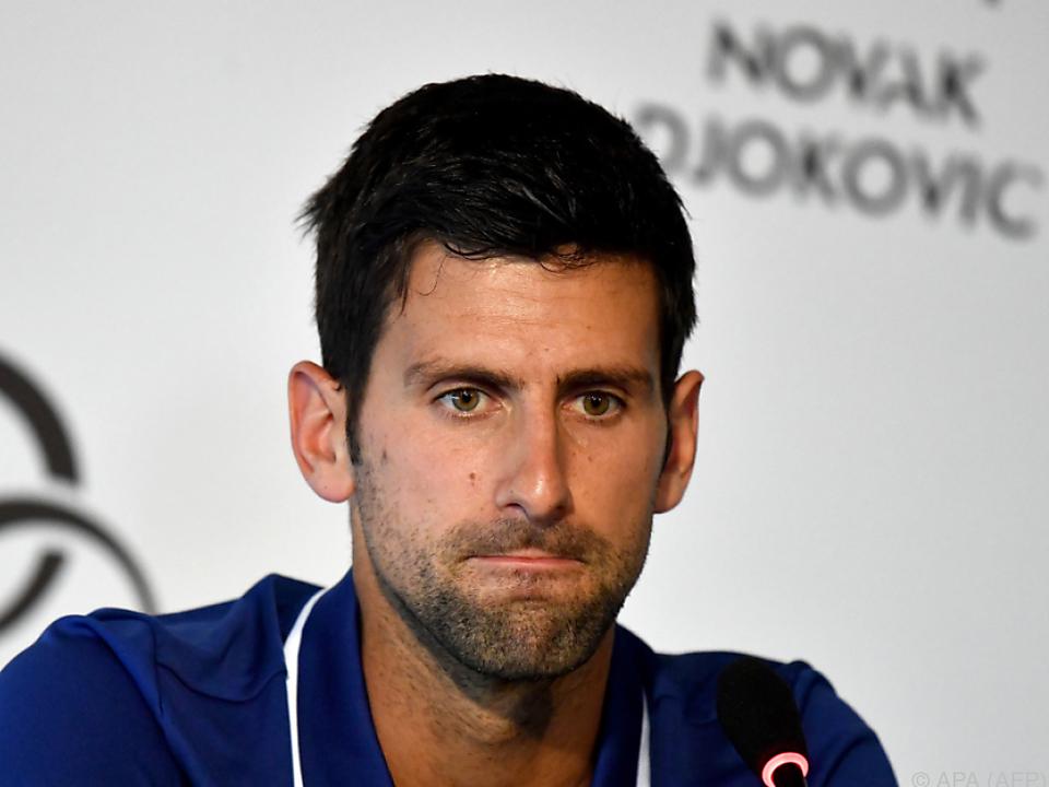 Djokovic will Probleme am lädierten rechten Ellbogen beheben