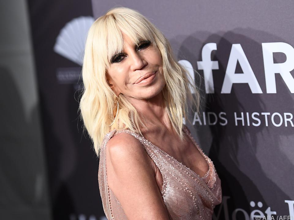 Donatella Versace übernahm nach dem Tod ihres Bruders das Modeimperium
