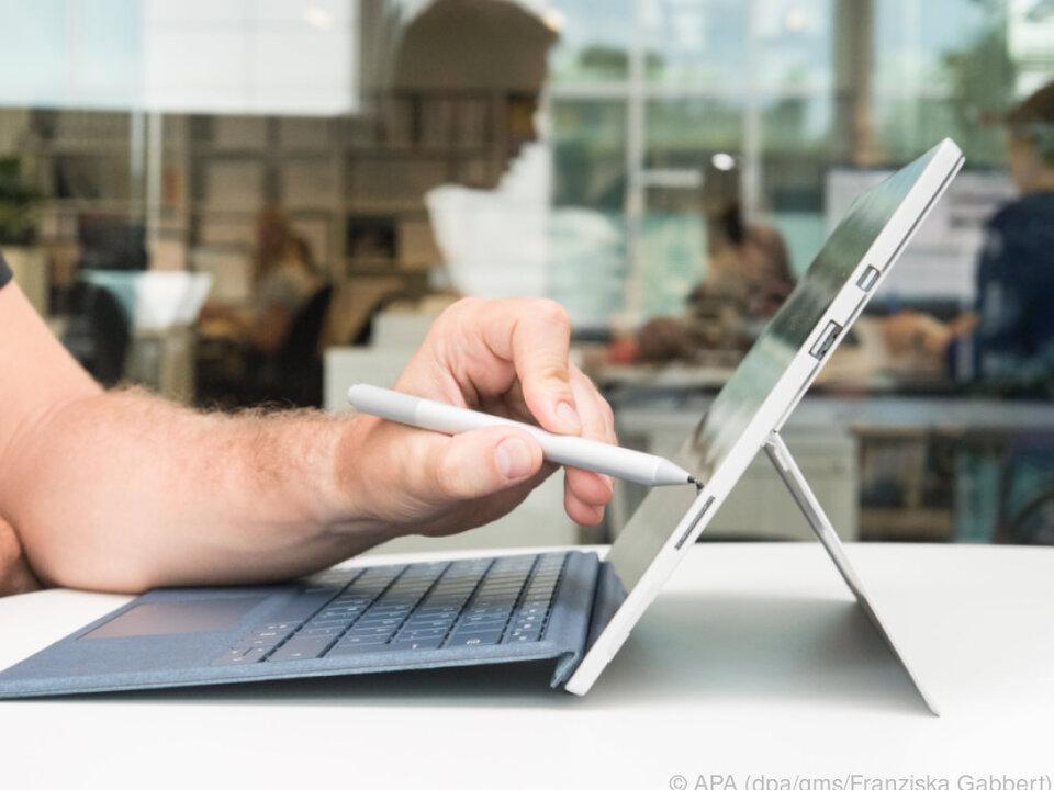 Gegen knapp 100 Euro Aufpreis gibt es den Bedienstift Surface Pen dazu
