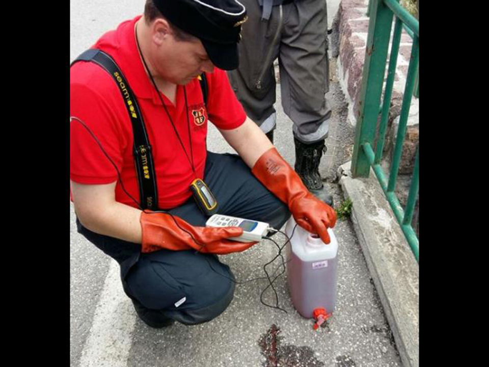 Freiwillige Feuerwehr St. Vigil in Enneberg rot Bach