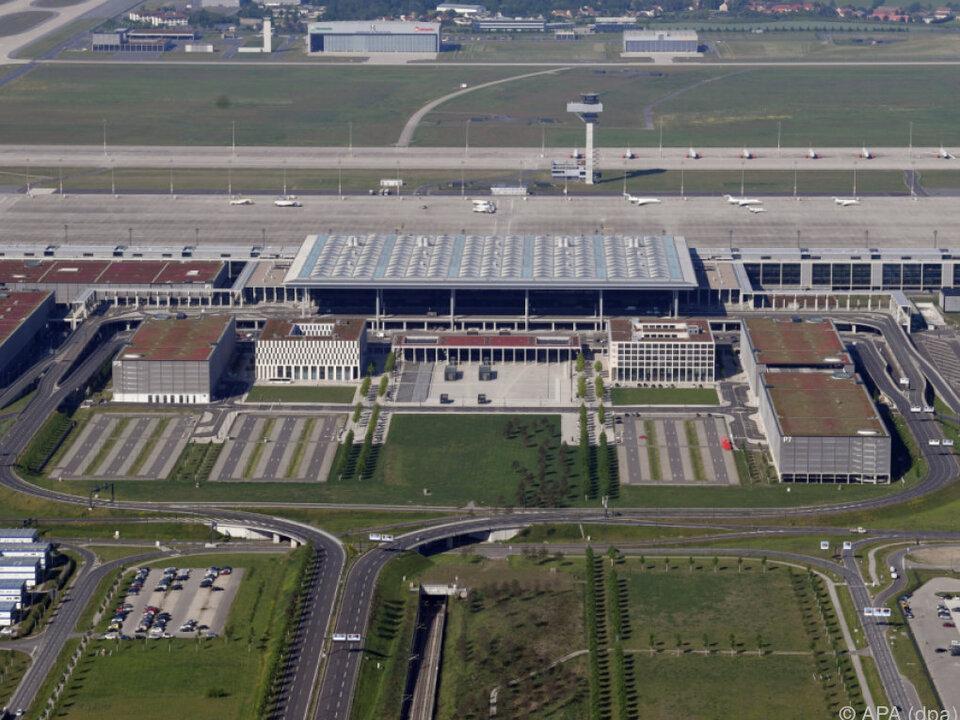Hauptstadtflughafen BER macht weiter Sorgen
