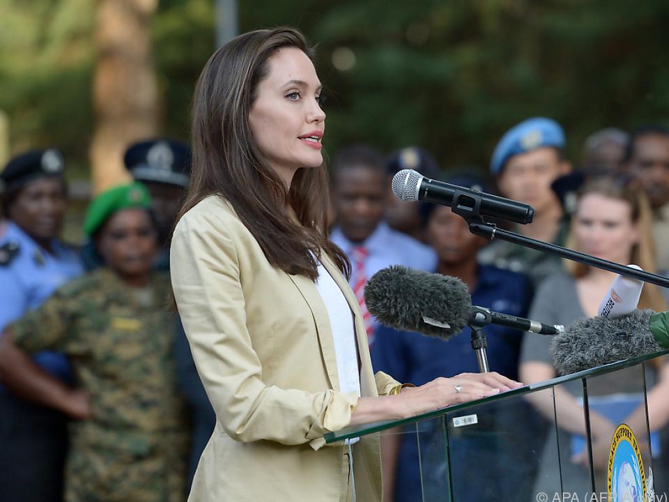 Angelina Jolie leugnet Casting-Terror