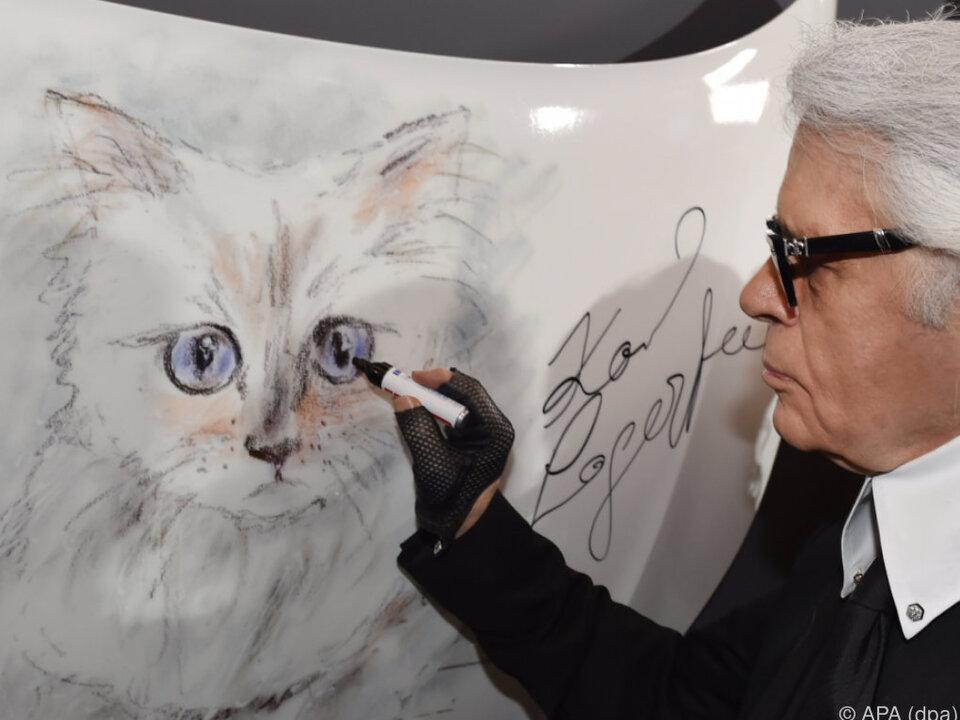 Karl Lagerfeld ist ein Katzennarr